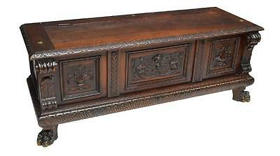 ITALIAN RENAISSANCE REVIVAL CARVED STORAGE CHEST, 19th Century ( 1800s )