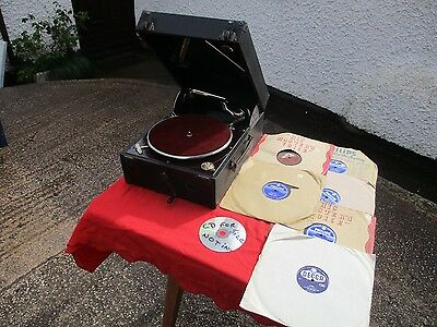 VINTAGE  COLUMBIA WIND UP GRAMOPHONE.  S 9767.  WITH  78s RECORDS