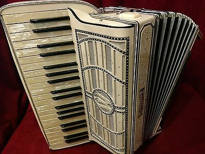 Vintage Pre-War Piano Accordion Wurlitzer LMM 41/120 FOR PARTS OR REPAIR