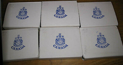 Lot,6 Canada Dollar 1972 in Blue Leatherette Clam Case