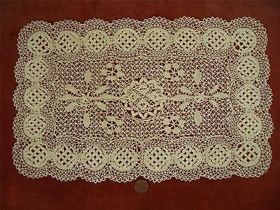 1 SUPERB HANDMADE Antique Vtg MALTESE LACE RUNNER CERNTERPIECE *GOLDEN BLONDE