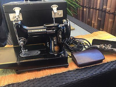 222K Singer Vintage 1954 Rare Feather Weight Portable Free Arm Sewing Machine