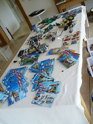 35 Kg Of Lego Pieces, Mainly Lego City With Lego Mini Figures And Instructions.