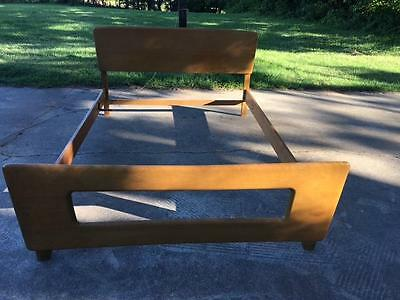 MCM Heywood Wakefield Full Or Double Size Bed Wheat Finish Dog Bone Footboard