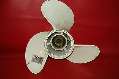 SUZUKI 13 x 19 PITCH outboard boat MOTOR PROPELLER 125hp japan NICE CONDITION