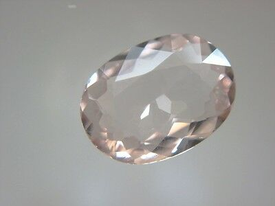 MORGANIT  -  OVAL FACET  -  6,2x4,5 mm  -  0,47 ct.