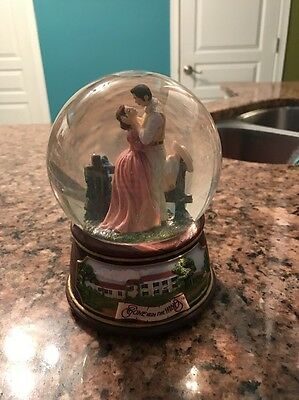 The San Francisco Music Box Company Gone With The Wind Musical Snowglobe Collect