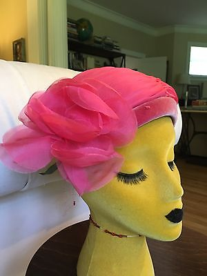 Vintage Pink 50s Hat With Flower