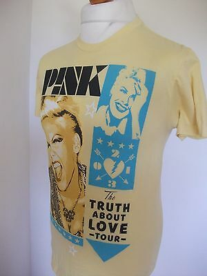 Pink The Truth About Love Tour Tee-Shirt Size Small - S