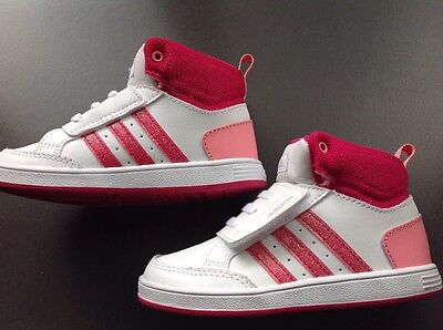 Basket Adidas fille 26 neuves