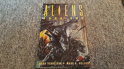 ALIENS Book One Graphic Novel (Titan Books)