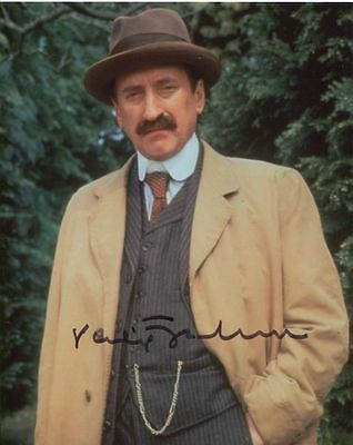 Philip Jackson In Person Signed Photo - Poirot - AG190