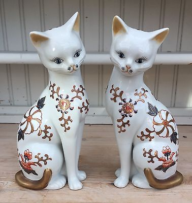 A Pair Of Stunning Hand Painted Porcelain/china Cats
