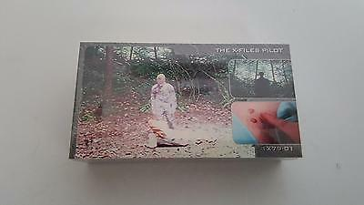 1997 TOPPS The X-Files Showcase base set of 72 trading cards NM/Mint cond.