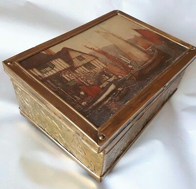 Collectable Wooden and Brass Trinket Box Beautiful Lid Design