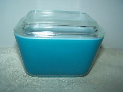 PYREX TURQUOISE BLUE 4 1/4 x 3 3/8 REFRIDGERATOR DISH / CONTAINER & CLEAR COVER