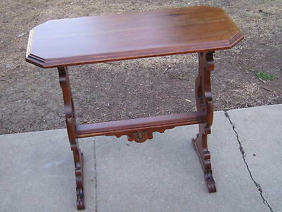 1924 CROCKER CHAIR COMPANY rare  END TABLE SOLID WALNUT  FLORENTINE FINISH