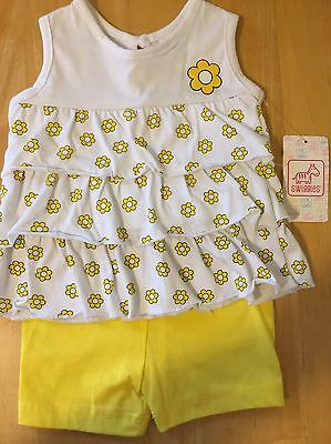 Infant Girls Size 3-6 M Yellow  2-PC Floral Outfit NWT Daisies