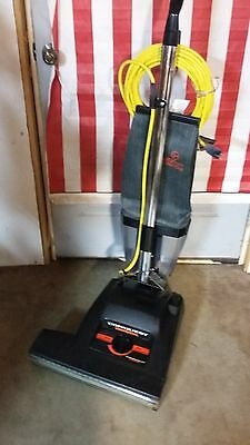"Hoover 18"" Conquest Heavy Duty Commerical Upright Vacuum With Dustcup"