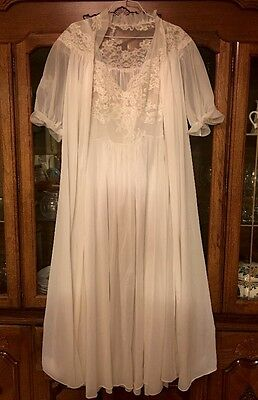 Vintage White Lace Lingerie Ruffle Sleeves Bridal Nightgown & Robe Set Negligee