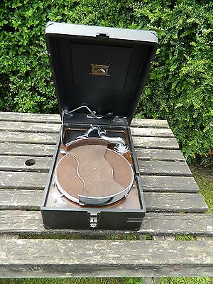 His Master's Voice Model 102  Portable Gramophone with Record Tray & Key