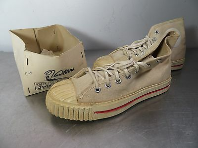 Vintage BATA SPEED STARS Off White Canvas Retro SNEAKERS Athletic Shoes Sz 4