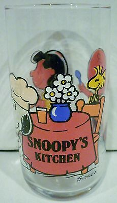 Peanuts Snoopy's Kitchen Glass Cup Charlie Brown Lucy Woodstock