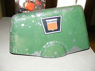 VINTAGE OLIVER TRACTOR -Nose Hood Grill Part ~~ 506 814 E