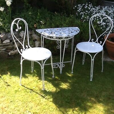Vintage garden side table and chairs