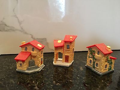 Kinder Surprise Set of 3 cottage village house toys