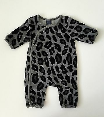 Baby Gap Girls Animal Print One Piece Sleeper Size 0-3 Months