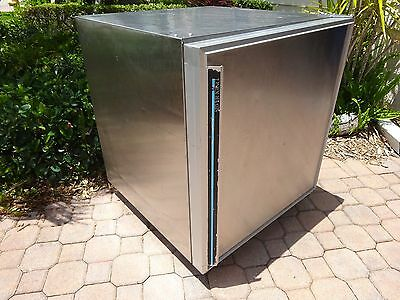 "Silver King Commercial 27"" Undercounter Refrigerator True Cold !!"
