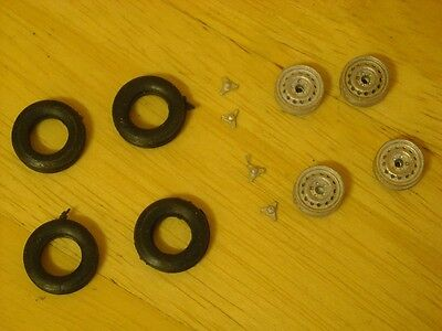 1/43rd scale Dunlop wheels with separate 3 ear spinners by K&R Replicas