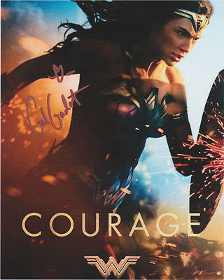 GAL GADOT HAND signed Autographed 8X10 photo w/COA WONDER WOMAN BATMAN SUPERMAN