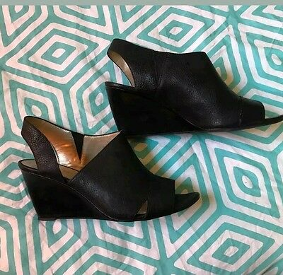 Bandolino Black Leather Wedge Sandals 9.5 Excellent Condition
