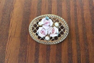 Vtg. Gold Tone Filigreed Brooch Pin With Trio Of Porcelain Roses & Faux Pearls