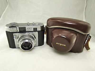 Argus V-100 35mm Rangefinder Camera with Meter