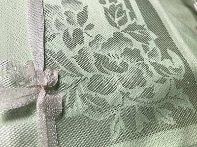Vintage Pale Green Damask Floral Cloth And 6 Serviettes.made In Japan.
