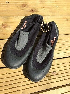Wetsuit Boots And Shoes Clearance Sale Size UK 10 Beach Shoe