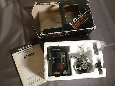Toshiba Kt-Rs1 Portable Cassette In Box Orig Headphones & Microphone Walkman