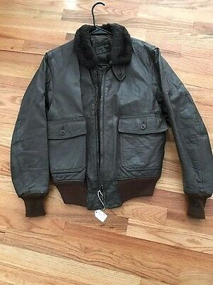 US G-1 Vietnam war era navy issue flight leather jacket.Size 42