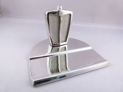 Classic Stable MG Miniature Replica Radiator, similar to RUDDSPEED DECANTERS