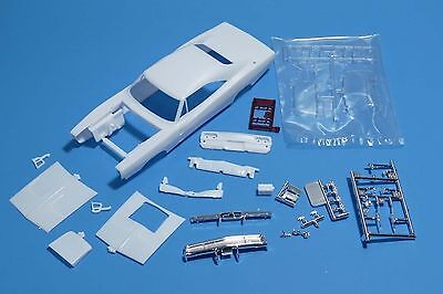 Revell 1968 Dodge Charger R/T 2'n1 Special Edition Body Set 1/25 Scale