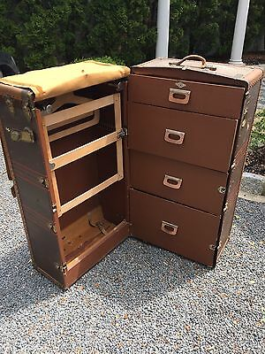Oshkosh Wardrobe Trunk Suitcase Steamer vintage furniture coffee table with key