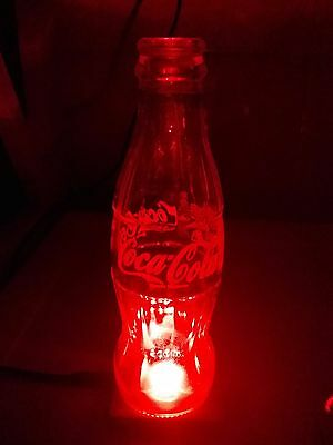 lampe 3 seltene coca cola flaschen mit beleuchtungspad. Black Bedroom Furniture Sets. Home Design Ideas