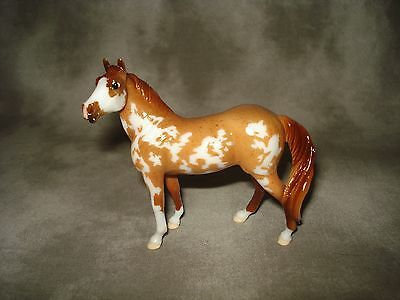 Breyer CM Glossy Decorator Red Roan Overo Paint Stablemate