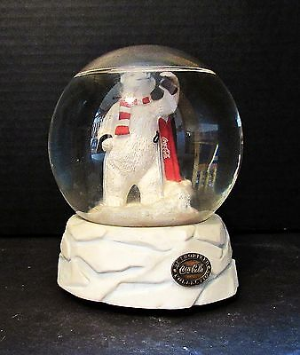 Vintage Coca Cola Heritage Collection Polar Bear Glass Dome Globe Music Box 1995