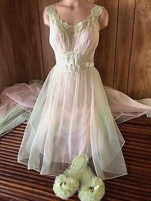 Short Babydoll Nightgown Peignoir Robe Set with Slippers S 34 Vintage Lingerie