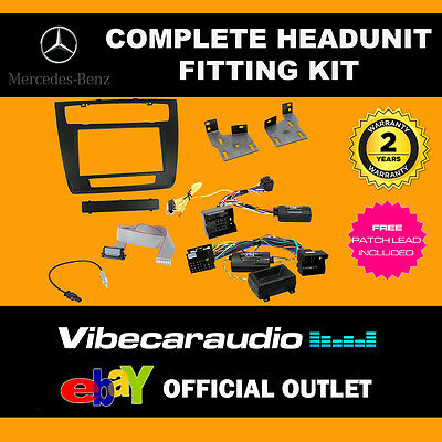 Connects2 CTKMB08 Mercedes SL R230 2004> Double Din Radio Installation Kit