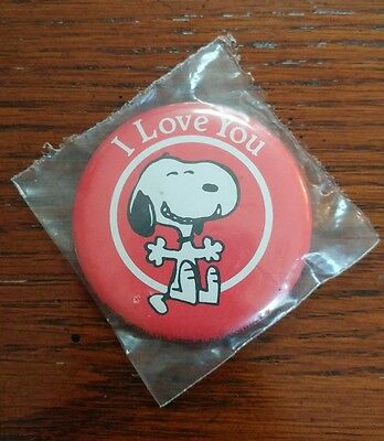 "Snoopy Peanuts Pinback Button ""I Love You"" Vintage New 2.25"""